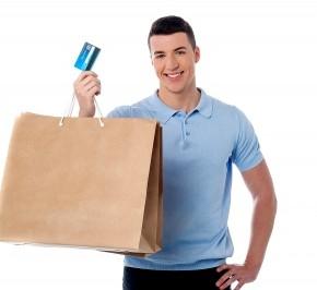 Les hommes et le shopping... Une affaire qui marche!