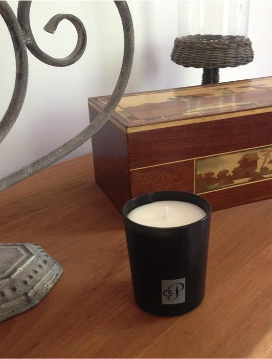 un jour une vente a test les bougies parfum es de club parfum. Black Bedroom Furniture Sets. Home Design Ideas